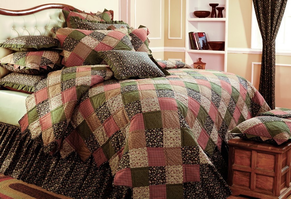 Greenfield IN heirloom bedding